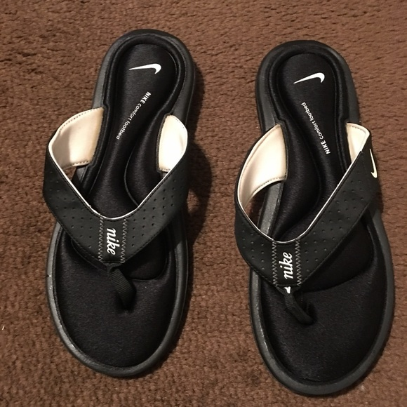 d9ca19dbc839 Nike Flip Flops with memory foam sz 9